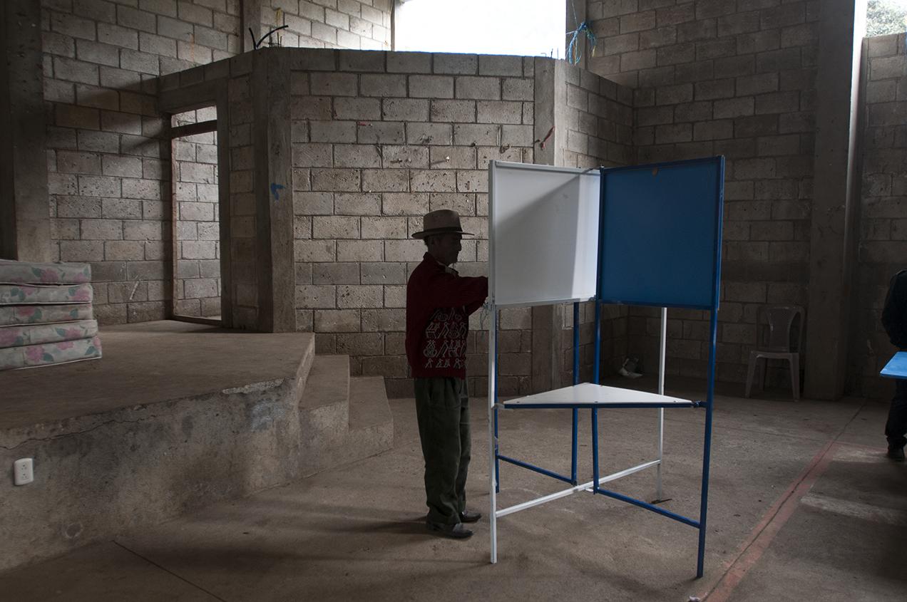 Después de dos años de batalla legal y de conatos de disturbios, se celebraron unas elecciones, que según expertos, no debieron realizarse.
