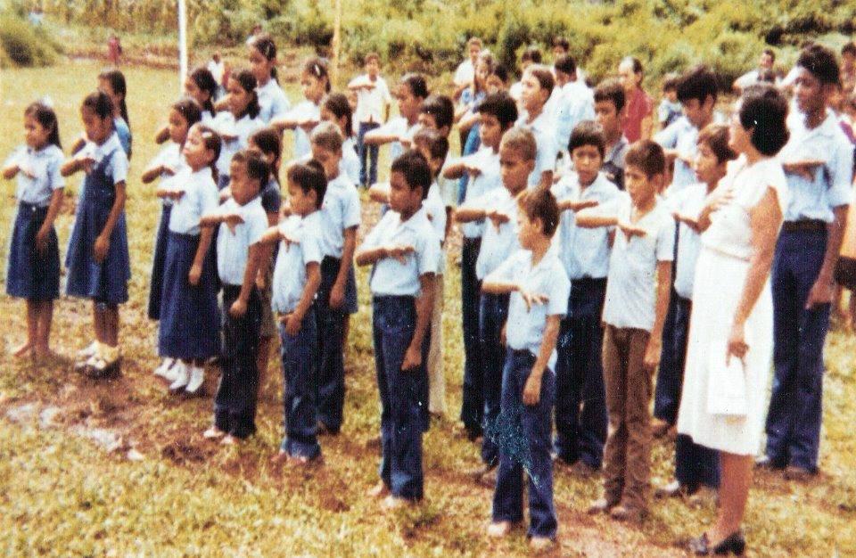 Algunos de los niños de Dos Erres fueron asesinados, mientras que a otros se los llevó el ejército.