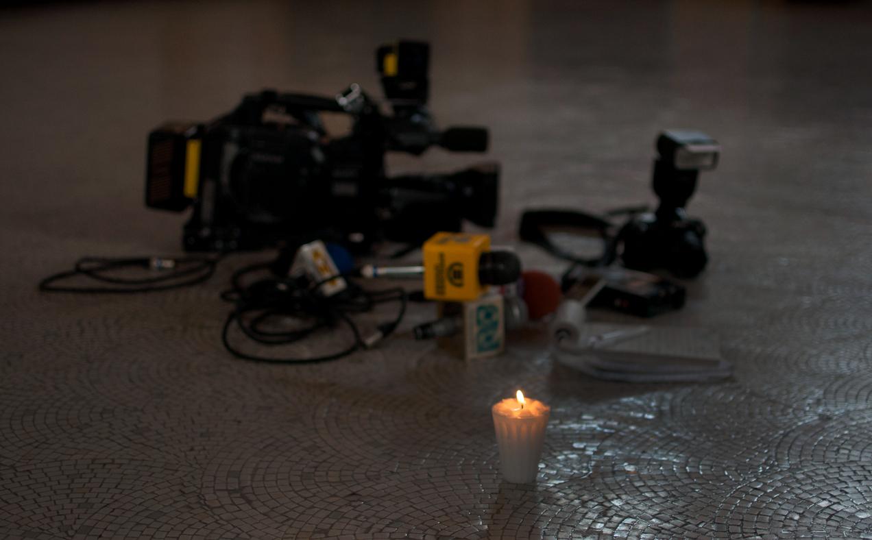 Representación del asesinato contra periodistas.