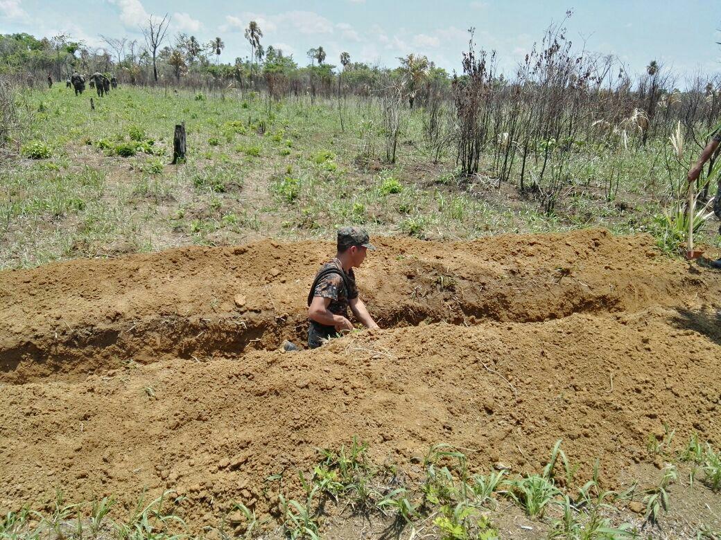 Por orden de un juez, el Ejército destruye una pista de aviación clandestina junto a la petrolera Perenco