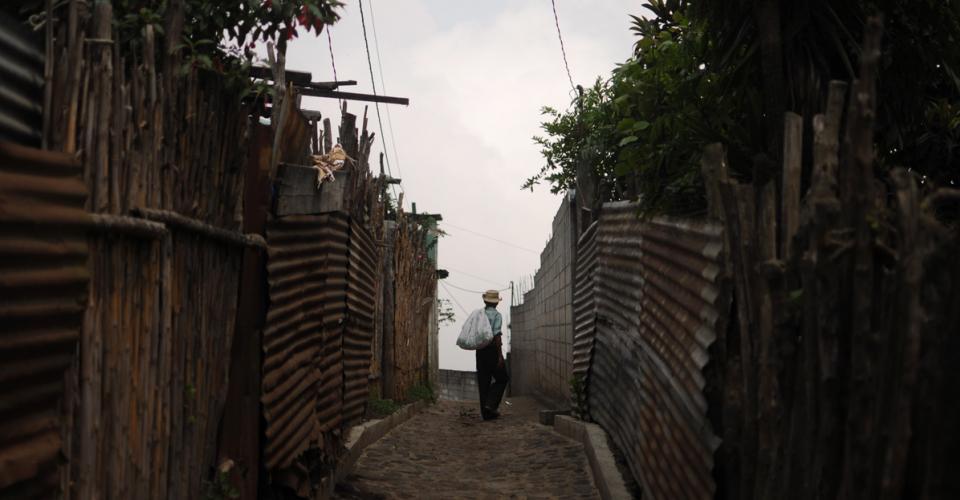 La deportación de los pobladores de Calderas y El Rosario impactó en la economía de las aldeas. Fotografías de Sandra Sebastián