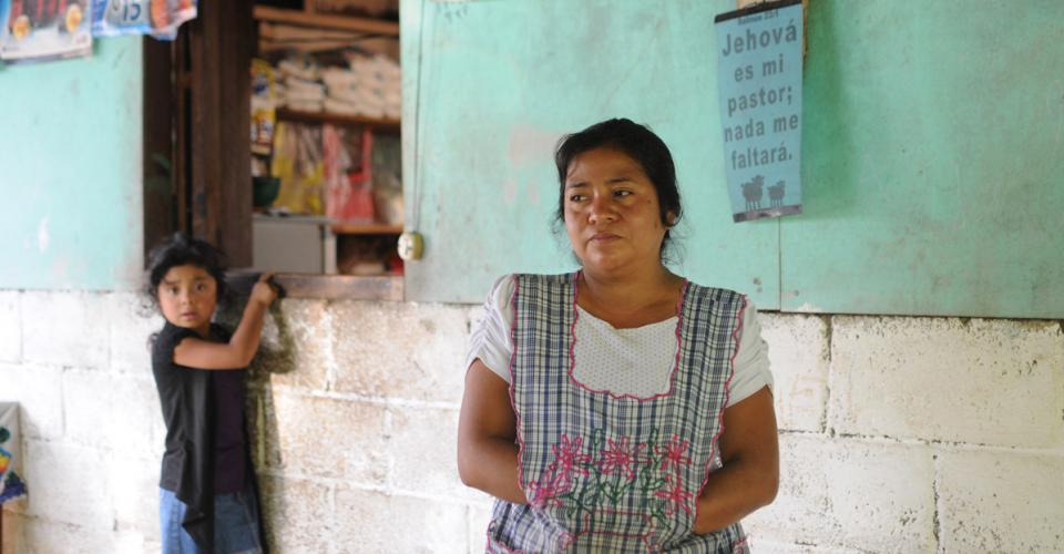 Mercedes Gómez cuando fue deportada negó que tenía un hijo por temor a que este fuera maltratado.
