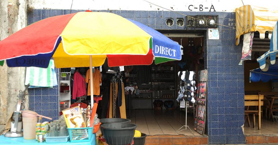Domicilio reportado para Importadora Flash e Importadora Bolvito ubicados en Avenida Bolívar 39-70, zona 3