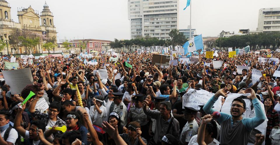 Los miles de asistentes pusieron en evidencia su inconformidad con la corrupción en el gobierno que preside Otto Pérez Molina.