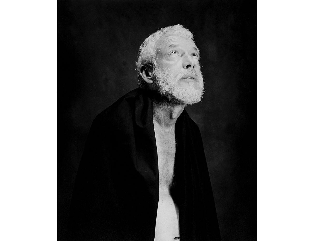 Ricardo Lindo retratado de igual forma que el predicador Jean Journet en 1857 por el fotógrafo Felix Nadar.