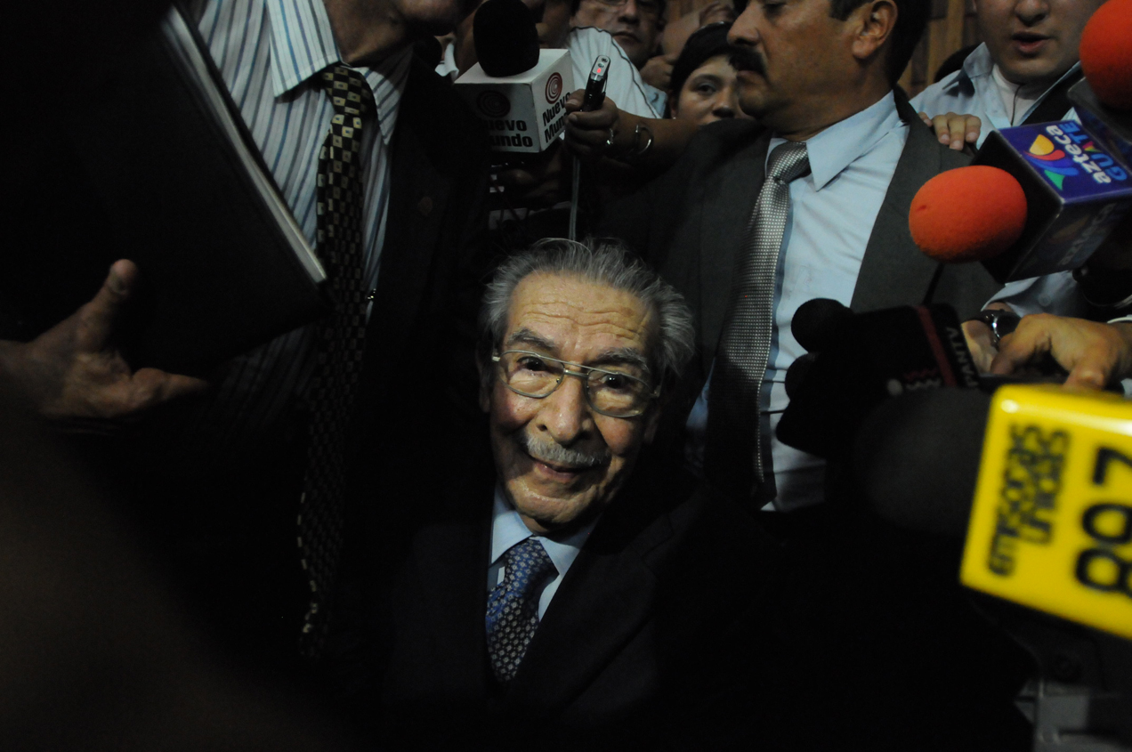 José Efraín Ríos Montt luego de la sentencia que lo condenó a 80 años por genocidio y delitos de lesa humanidad.