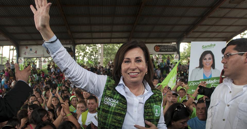Sandra Torres durante el cierre de su campaña en la colonia El Amparo, zona 7 de la ciudad de Guatemala.