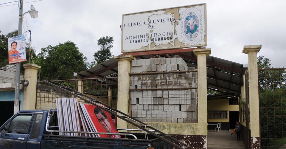 Una de las clínicas municipales de Chinautla que resaltan la administración de Medrano.