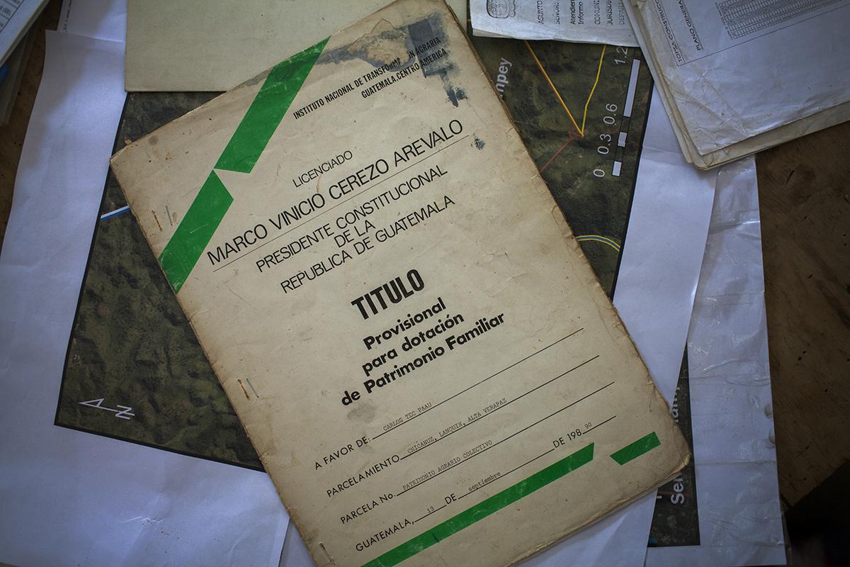 El primer título de propiedad a favor de los comunitarios de Semuc Champey otorgado por el Estado de Guatemala a finales del siglo XIX.