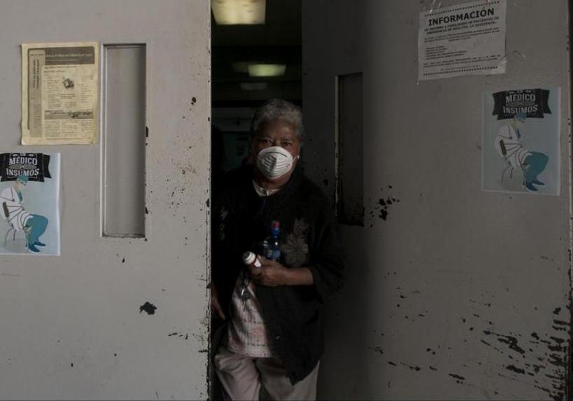 Los médicos del Hospital General protestaron por no tener insumos para operar a los pacientes.