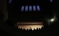 Tras cuatro horas de retraso, el Palacio de Tribunales de la provincia, se vestía de negro a la espera de que el tribunal dictara sentencia a los trece imputados en el juicio por la desaparición de Marita Verón.