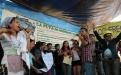 Un grupo de jóvenes representaba a los comunitarios que rechaza la mina y a los mineros de Exmilgua.