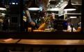 Una piña luce bajo los reflectores de un bar en la exclusiva zona de recreo  nocturno de 4 Grados Norte, en la zona 4 de la ciudad