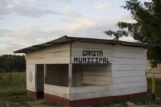 La garita municipal de Chisec fue abandonada después del fallo de la Corte de Constitucionalidad en el que prohíbe el cobro por uso de carreteras a los camiones de palma.