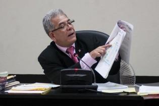 El juez B de Mayor Riesgo, Miguel Ángel Gálvez, luego de tres días de audiencias, ligó a proceso al expresidente, y lo envió a prisión preventiva al cuartel Matamoros.