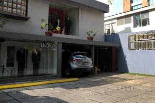 La fachada de la Boutique Emilio, ubicada en la zona 10, propiedad de Luis Mendizabal.