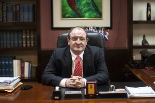 El canciller Fernando Carrera toma distancia de los nombramientos consulares que no ocurrieron durante su gestión.