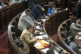 Los diputados ratifican su voto tras elegir a los nuevos magistrados del Tribunal Supremo Electoral.