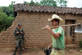 Según el abogado del Parlamento Xinca, las fuerzas de seguridad se está moviendo para defender una empresa que ha causado zozobra en la región.