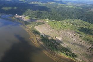 Vista aérea de los trabajos que han realizado a lado de la laguna.