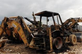 Maquinaria de la constructora Solel Boneh también fue quemada durante los incidentes.