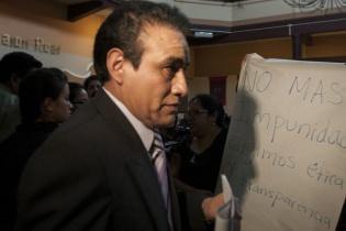 Miembros de la sociedad civil llegaron a la conferencia de prensa que ofrecieron los magistrados electos.