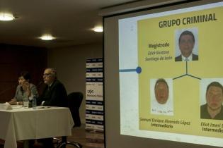 """""""El grupo criminal"""" encabezado por el magistrado Erick Santiago de León, y conformado por dos intermediarios."""