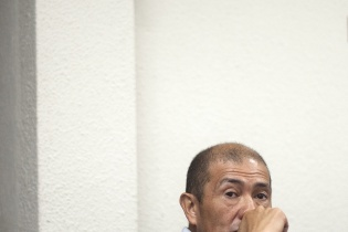 Fermín Felipe Solano Barillas está sentado en el banquillo como el único acusado de la masacre de El Aguacate.