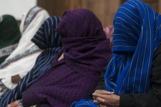 """Las mujeres q'eqchíes han revivido el recuerdo de los meses que pasaron en el destacamento de Sepur Zarco, luego de un """"silencio cultural de protección""""."""