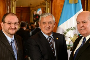Ligorría fue nombrado embajador ante los Estados Unidos, es conocido por su experiencia como estratega político y su trabajo con el Partido Patriota durante la campaña. Utilizó sus columnas de opinión para abonar en ese terreno.