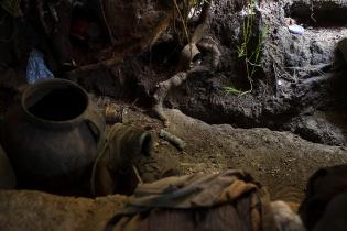 La grieta dentro de la morada de don Augusto