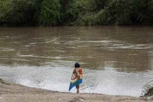 A los comunitarios, que dependen del río, les fue prohibido usar el río para bañarse, lavar ropa y tomar agua. El vínculo con el río va más allá, es parte de su cultura.