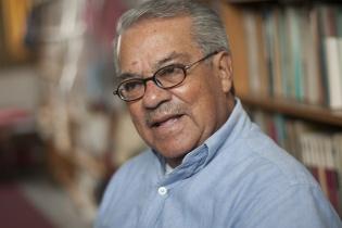 Flavio Rojas fue director del Seminario de Integración Social Guatemalteca (SISG), una especie de asamblea de antropólogos estadounidenses que trabajaron el tema étnico-social-antropológico en Guatemala.