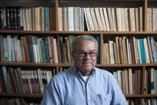 Flavio Rojas Lima nación en Jalapa en 1932. Es antropólogo, indigenista y guatemalteco.