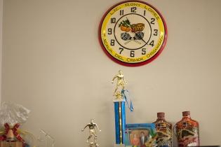 En la oficina de Rony López se puede observar su afición al fútbol.