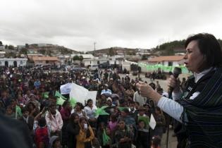 Torres anunció que quiere aumentar a cinco los sacos de fertilizante que da el Ministerio de Agricultura y retomar la idea Mi Bosque Progresa.