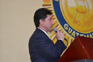 Secaida durante una conferencia sobre la reforma policial.