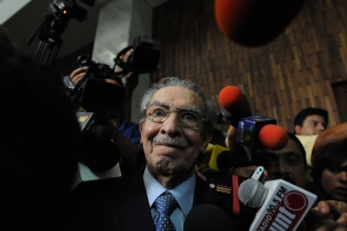 Luego de escuchar el fallo del Tribunal, Ríos Montt dijo que respetaría la decisión de los jueces.