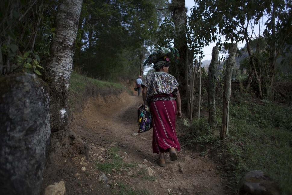 El día ha terminado y Feliciana vuelve a su casa sin perder la esperanza de encontrar a su hijo.
