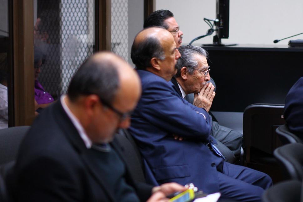El ex general Efraín Ríos Montt espera la sentencia del juez.