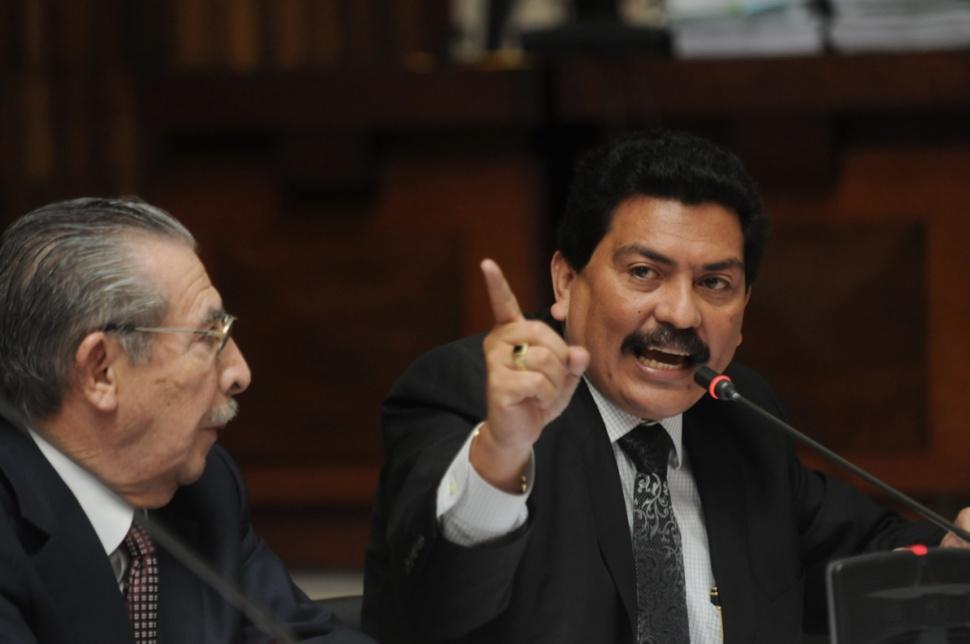 El abogado defensor de Ríos Montt, Francisco García Gudiel, fue separado del proceso.