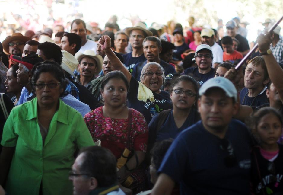 El 1 de marzo de 2012 se originó La Puya, organización comunitaria que, en medio de la carretera, se ha mantenido en resistencia pacífica en contra del proyecto minero El Tambor.