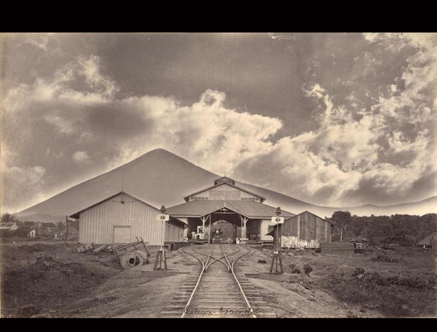 """Estación Escuintla"". Escuintla, 1886. [Colección Álbum Alcain, Fototeca Guatemala, CIRMA]"