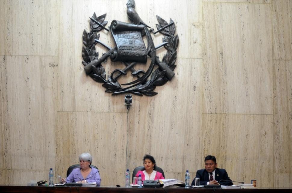 El tribunal precedido por Yassmín Barrios.