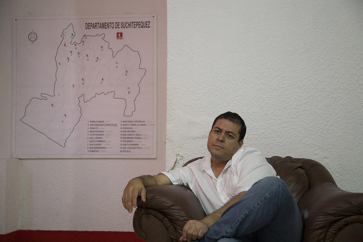 Julio Juárez como alcalde de Santo Tomás La Unión en 2015