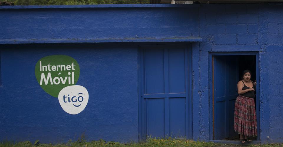 Tigo pertenece al operador de telefonía móvil, Millicom Internacional Cellular S.A., fundada en 1990 en Estocolmo, Suecia, y que cotiza en la Bolsa de Nueva York desde 1993.
