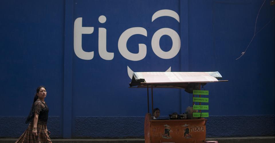 """Ley de Control de las Telecomunicaciones aprobada de """"urgencia nacional"""" en abril pasado, favorece los intereses de las empresas de telefonía del país, encabezadas por Tigo, la compañía líder del sector."""