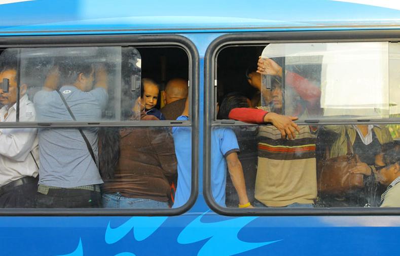 En subsidio al transporte público en Guatemala, se elevó de Q245 millones en 2014, a Q435 millones en 2015, el cual le es entregado a la Asociación de Empresas de Autobuses Urbanos, sin que medien mecanismos de fiscalización del mismo.