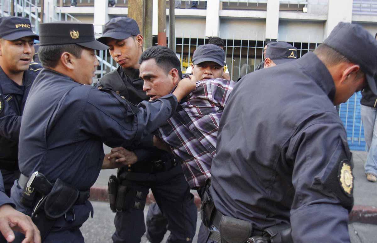 Uno de los nueve detenidos.