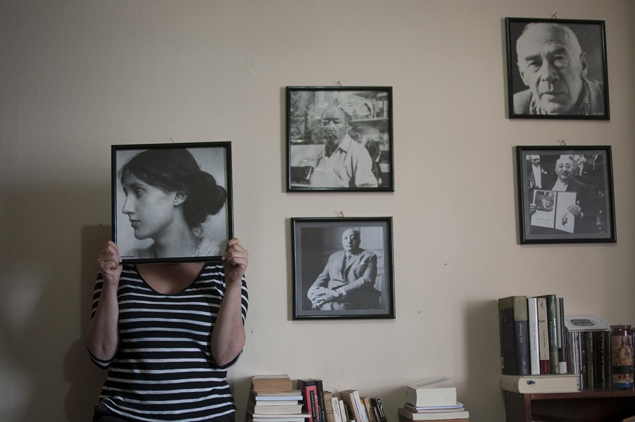"""""""El panorama que planteó (Virginia Woolf) me llevó a pensar paralelamente en Guatemala, y en las escritoras, algunas de ellas, claro está, que habían abierto aquí la ruta hacia el presente"""""""
